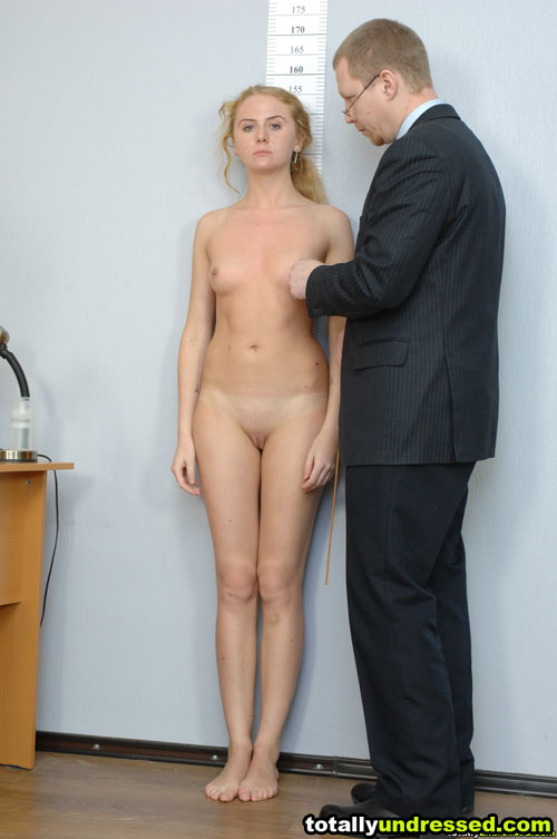 Totally undressed nude blonde babe ready for a porn interview