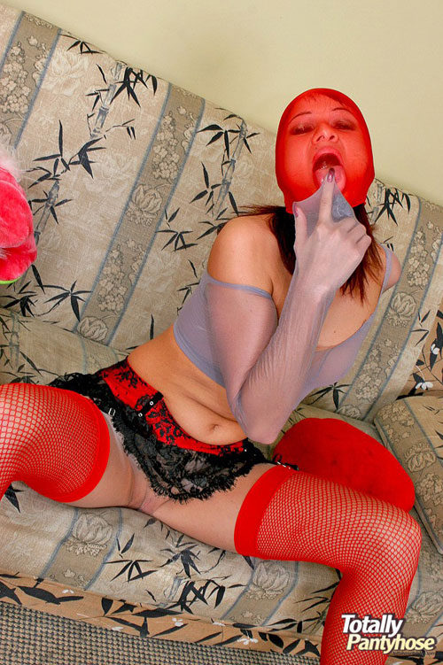 Totally pantyhose babe seducing